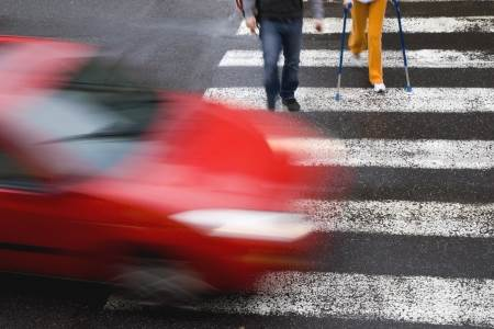 Ogrožena varnost pešcev v prometu – poskrbite da boste vidni 1